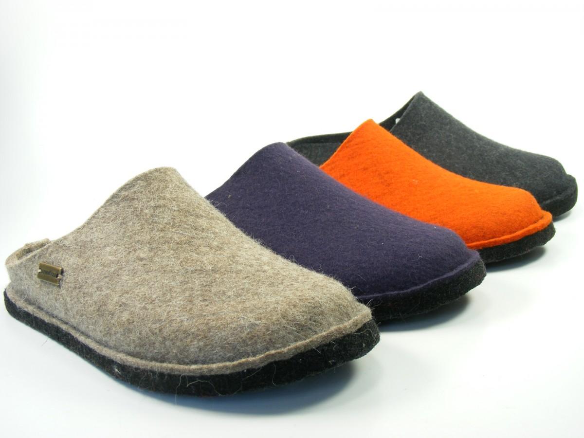 herren hausschuhe leder pantoffeln schwarz modell mz02 44. Black Bedroom Furniture Sets. Home Design Ideas