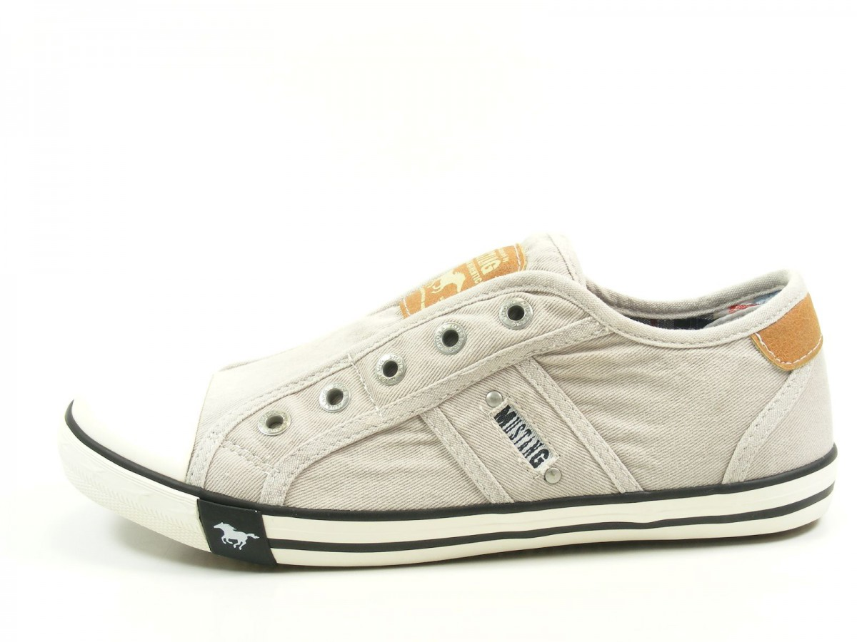 mustang 1099 401 schuhe damen slipper sneaker canvas. Black Bedroom Furniture Sets. Home Design Ideas